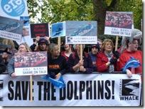 Manifestation à Londres pour défendre les dauphins japonais